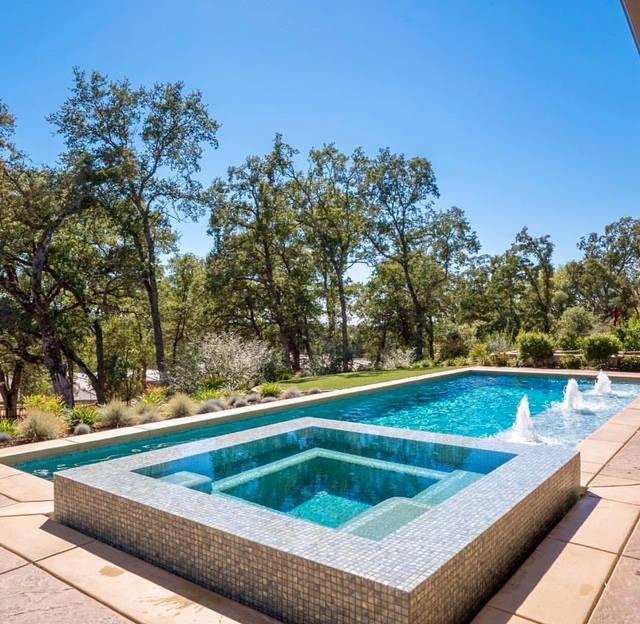 Modern Look Pool - C&R Pool Plastering